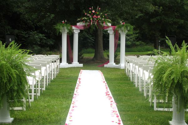 How to decorate for a home wedding junglespirit Gallery