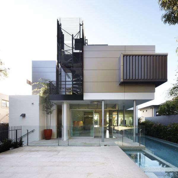 The Sunny Wentworth Rd House In Sydney