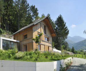 From a gloomy old chalet to a sunny contemporary home in Slovenia