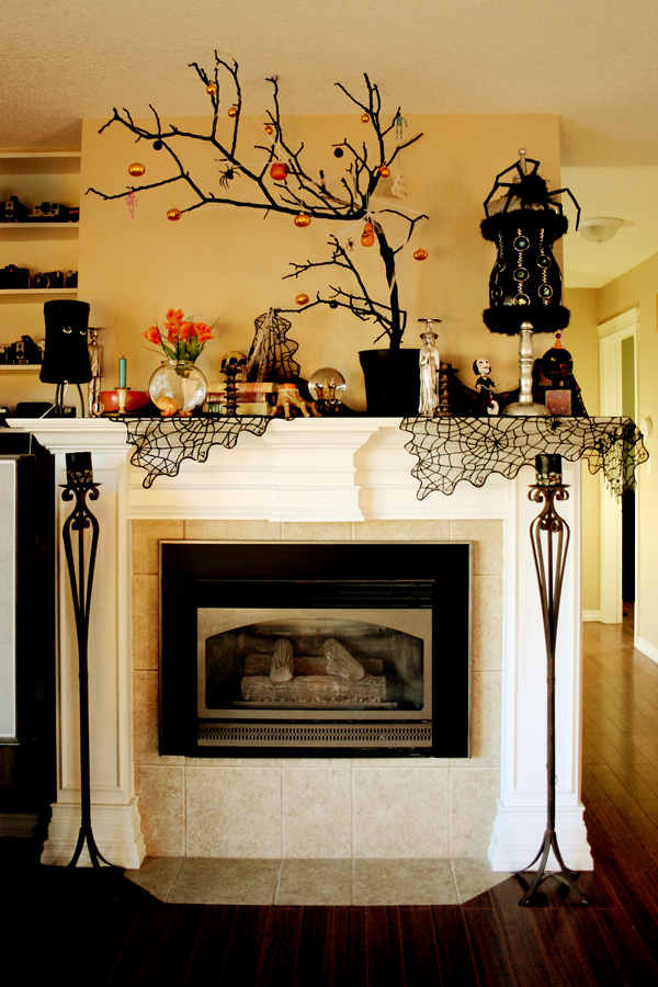 home decorating trends homedit - Halloween Mantel Decor