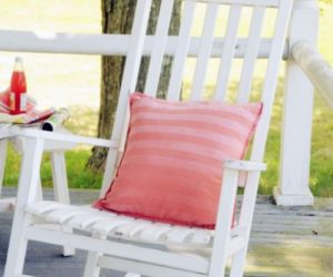 A lovely and simple DIY project for this week-end: sun-kissed striped pillows