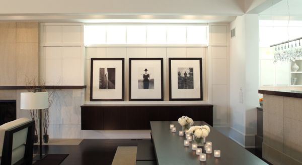 25 stylish ways of displaying your family photos for Room design rules