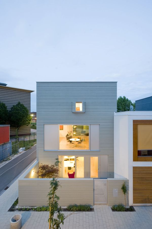 A Cube Like Three Story House In Leiden Designed By Gaaga Architects