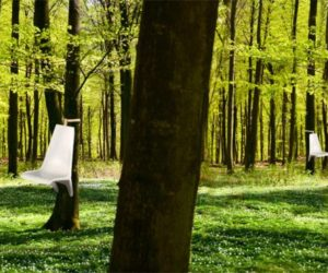 The Somnio suspended chair by Frederic Julian Rätsch