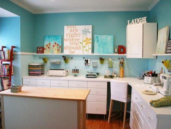 https://cdn.homedit.com/wp-content/uploads/2012/09/turquoise-room.jpg