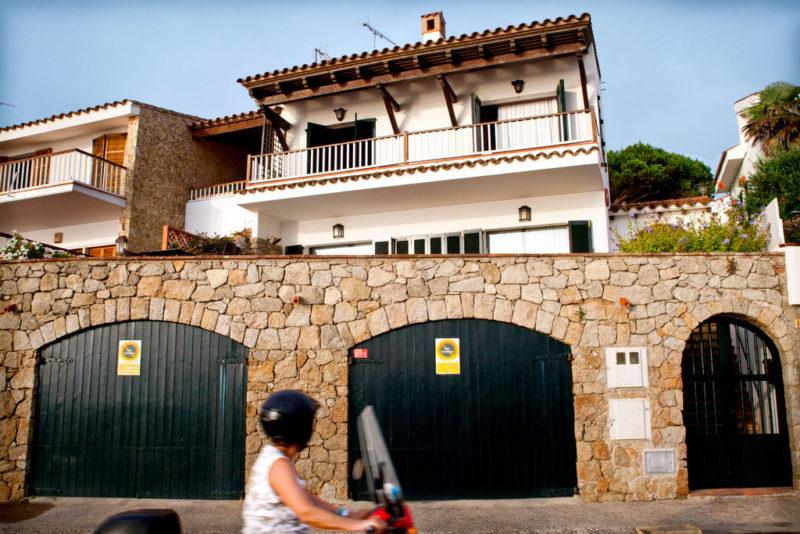 A beautiful four-bedroom villa in Spain