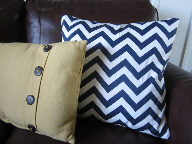 low cost house decor ideas Accent With Throw Pillows
