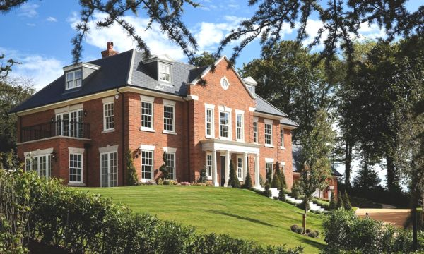 An impressive exclusive country home in Berkshire, England