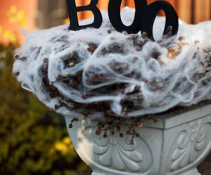 8 Ways To Use Webs For Halloween!
