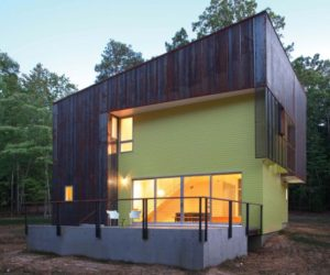 A simple, modern home that perfectly integrates into the forests of North Carolina