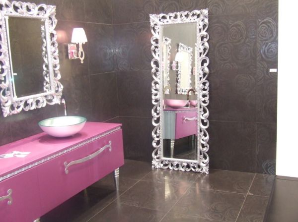 Ordinaire View In Gallery Feminine Bathroom With A Glamour Theme