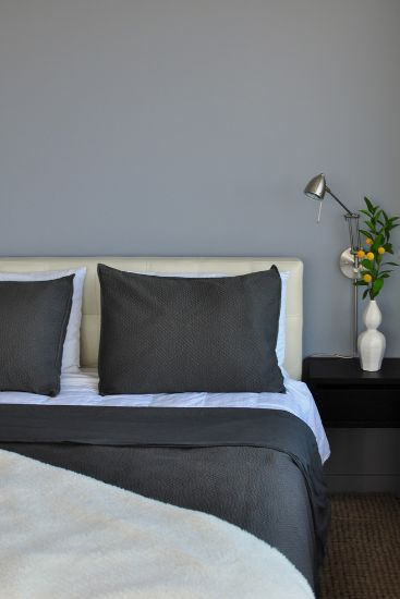 Grey Wall Bedroom how to decorate a bedroom with grey walls