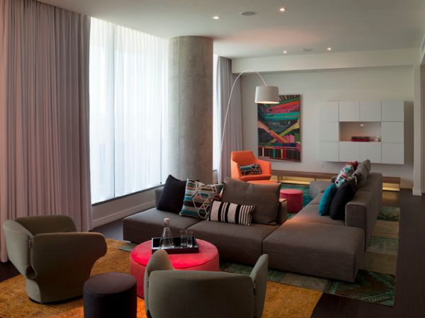 View In Gallery A Neutral Décor With Bold And Colorful Accent Pieces
