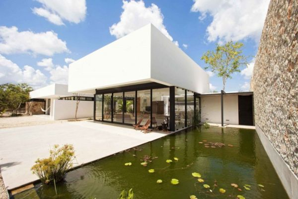 Single Story Contemporary Home In Yucatan With A Strong