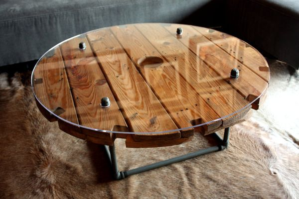 wooden cable spool tables diy projects and ideas. Black Bedroom Furniture Sets. Home Design Ideas