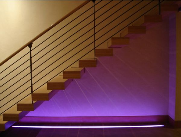 21 Staircase Lighting Design Ideas Pictures: Using LED Lighting In Interior Home Designs
