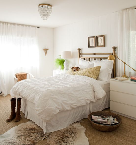 Cowhide rugs and a few ways of using them in your interior for Bedroom rugs