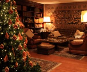 How To Spruce Up Your Home For the Holidays in 5 Easy Steps