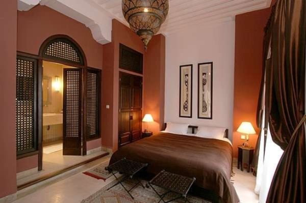 Decorate your home with an arabic theme for Arabic interiors decoration