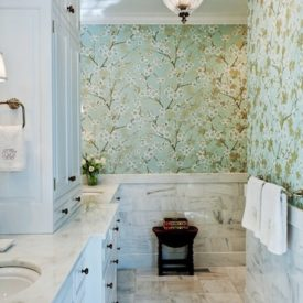 bold wallpaper bathroom