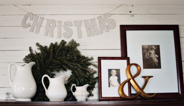 view in gallery - Christmas Shelf Decorations