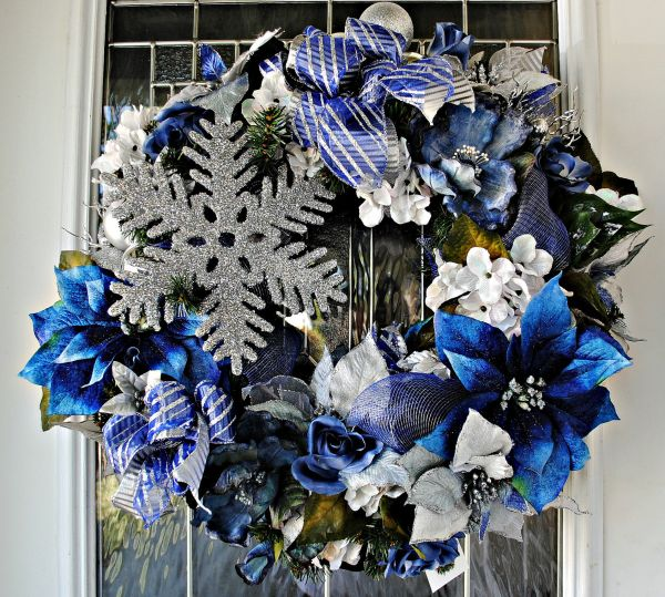 view in gallery - Blue And Silver Christmas Decorations