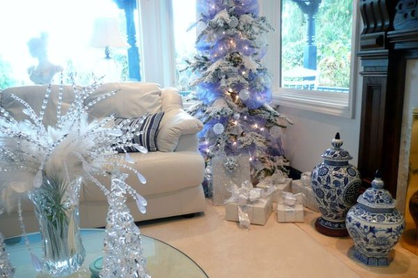 view in gallery - White Christmas Tree With Blue And Silver Decorations