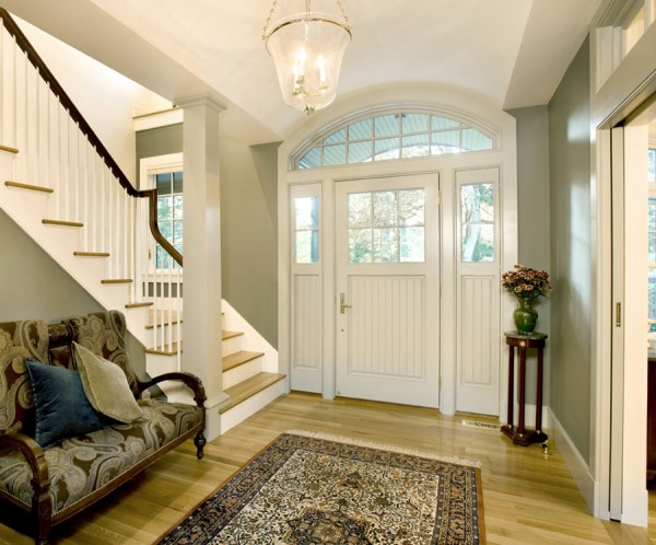 Maximizing Storage Space In Your Small Front Entry