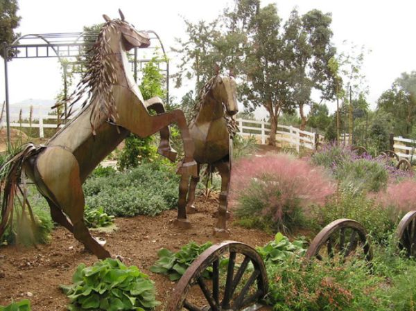 How To Decorate With Wagon Wheels