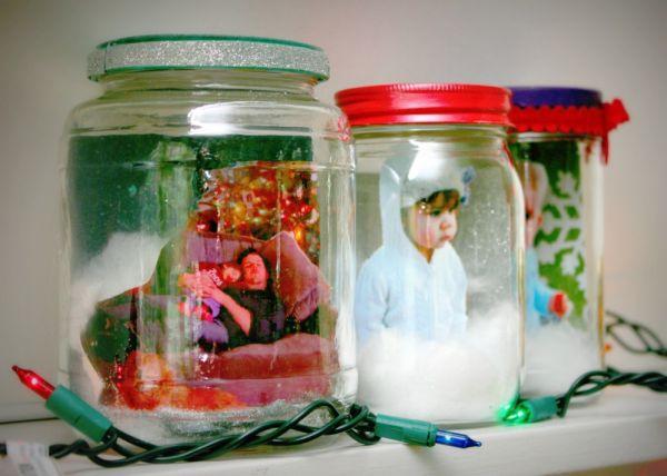 5 easy christmas diys for kids for Easy homemade christmas snow globes