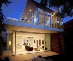 Contemporary family house with views of the beach in Sydney