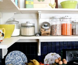 Kitchen storage jars, a great way of organizing ingredients and saving space