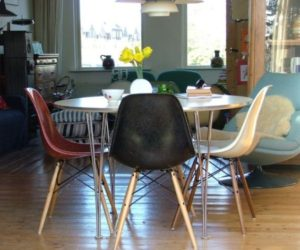 Colorful chairs – a great way to add dynamism to the dining room