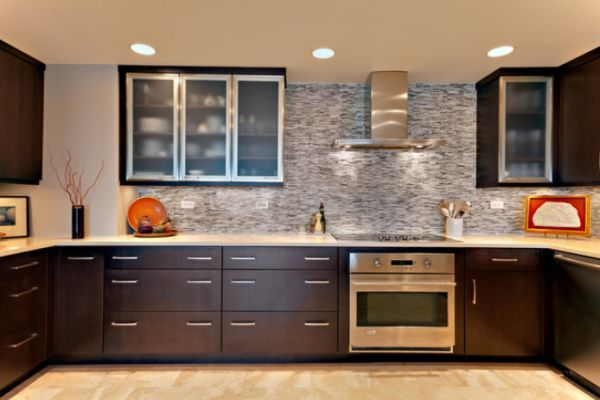 View In Gallery Modern Kitchen With Stainless Steel Hood Liances And A Metallic Backsplash