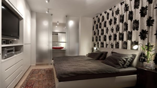 View In Gallery This Long And Narrow Bedroom