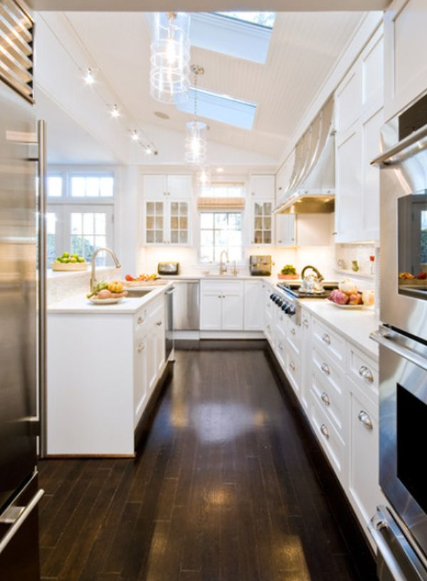 Interior designs for long and narrow kitchens for Kitchen ideas narrow space