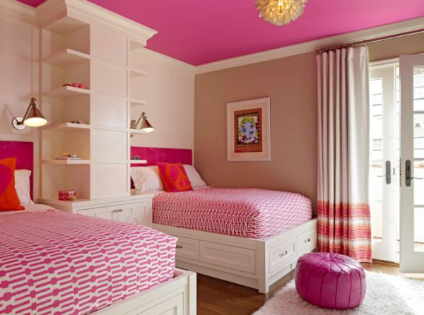Space-efficient and chic shared girls\' bedroom design ideas