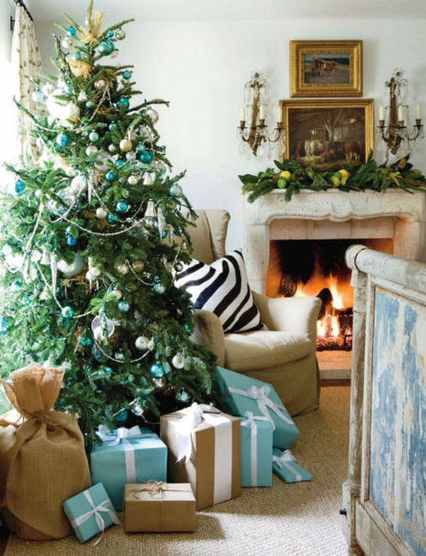 Decorating a blue white christmas ideas inspiration for Simple christmas home decorations