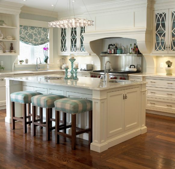 traditional-white-kitchen-stools-under-counter