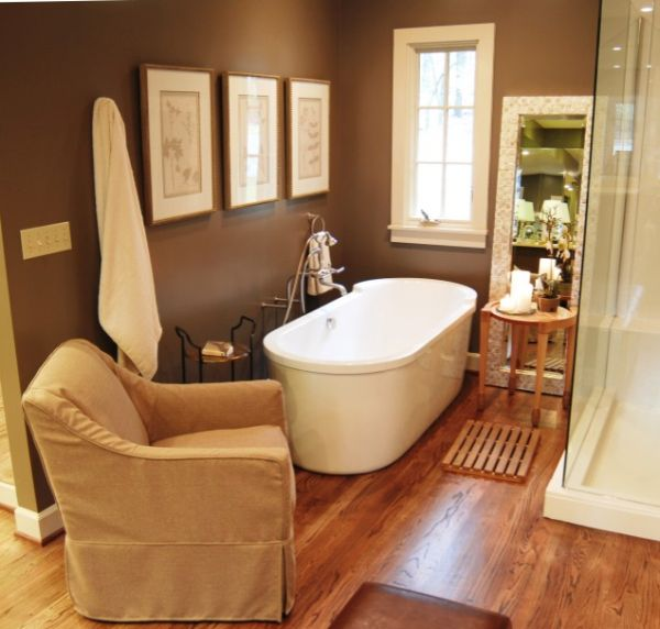 wood floors in the bathroom choosing the right bathtub for a small bathroom 24716