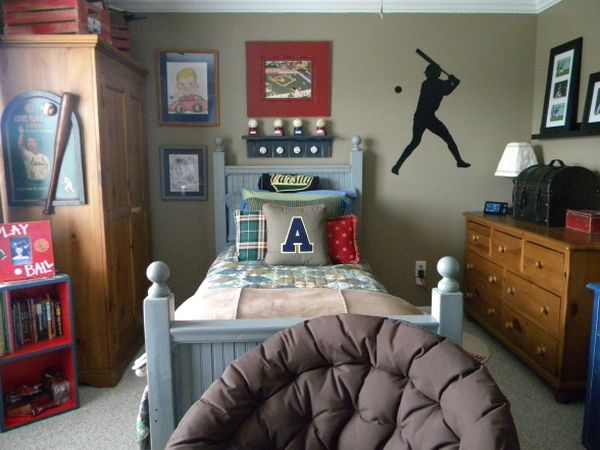 40 teenage boys room designs we love for Bedroom ideas 8 year old boy