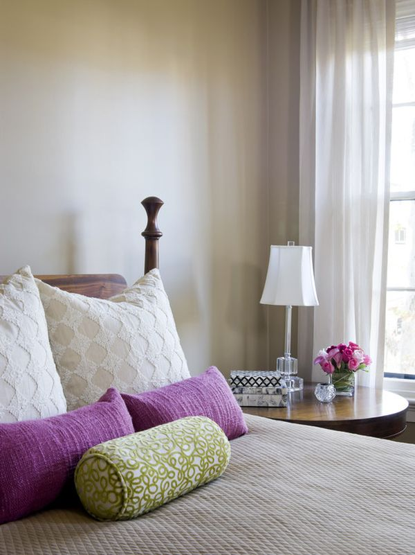 How To Arrange Throw Pillows On Bed