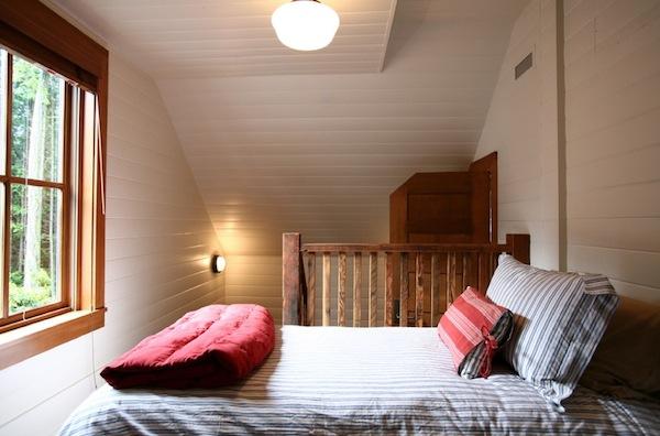 bedroom small natural light