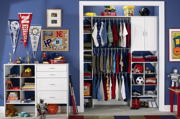 boys closet organized