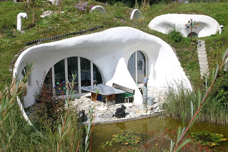 organically shaped earth houses by peter vetsch - Earth Home Designs