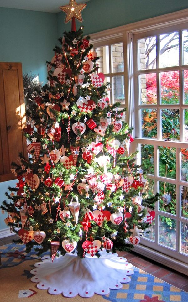 christmas tree with golden and red accents view - Small Christmas Tree Decorating Ideas