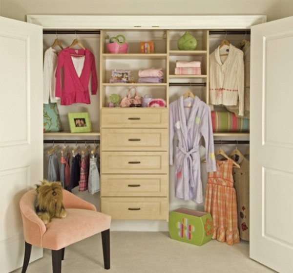 girls closet organized