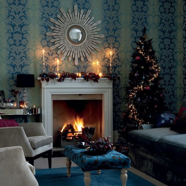 christmas tree with decorations that match the living room interior view - Blue Christmas Decorations Ideas