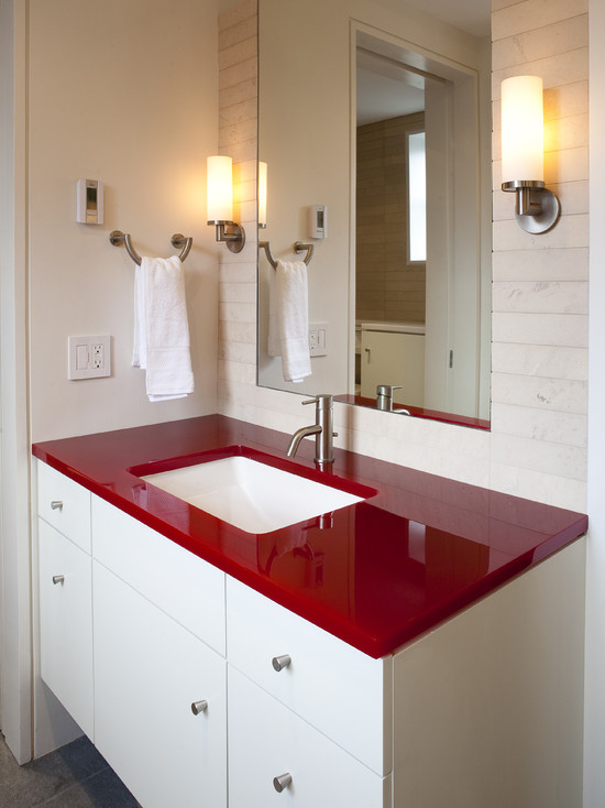 white and red bathroom when to incorporate in a bathroom 21394