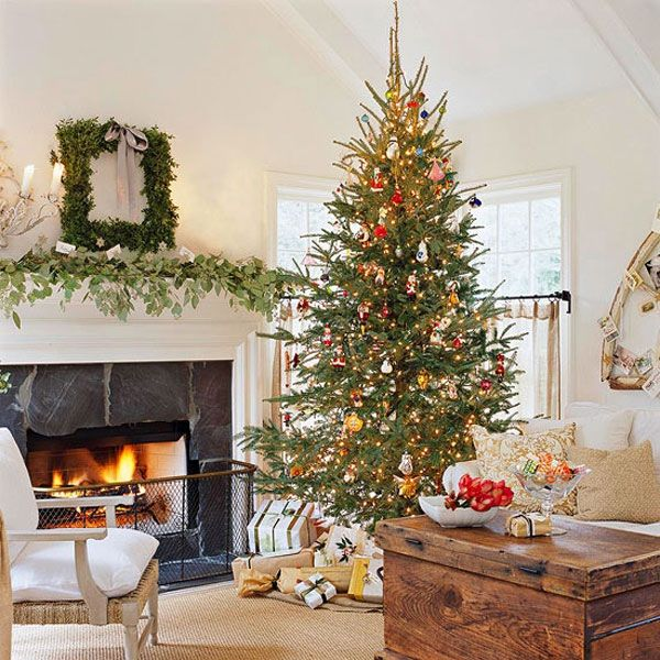 42 christmas tree decorating ideas you should take in for Classy xmas decorations